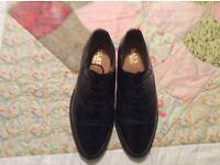 Barker hi shine black shoes size 7 (41) excellent condition