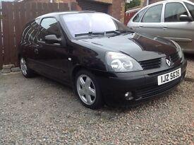 05 Clio, 1.2Petrol, Black, 3 Door, Motd, Clean car, Alloys, £600 Ono, Open to offers. Portadown.