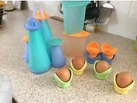 Lovely bright condimin set with egg cups