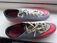 NIKE Mercurial FOOTBALL BOOTS SIZE 7.5 Grey/Pink
