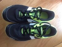 Running spikes / shoes size 5.5