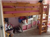 Stompa mid-sleeper bed with side shelf (mattress not incl). H 42cm, L 199cm, W 99.5 widest point