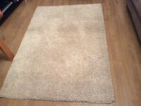 Cream rug good condition
