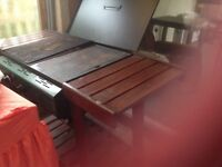 Large gas barbecue