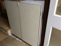 5 kitchen wall units, various sizes. Good condition.