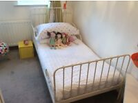White iron extendable toddler bed