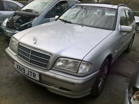 2000 Mercedes W202 S202 C Class C200K Estate Auto breaking for spares / parts