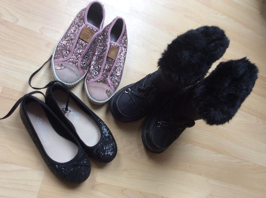 Girls shoes size 2 Job lot.
