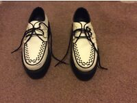 Men's White (with black trim) Rockabilly / Psychobilly 'Brothel Creeper' Type Shoes (Size 9)