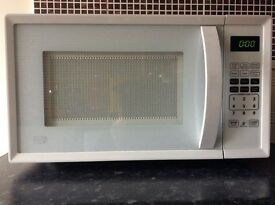 White microwave 700w pick up only