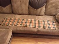 Burberry - The Classic Check Cashmere Scarf -Excellent as new condition