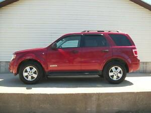 2008 Ford Escape 4x4 w/LEATHER