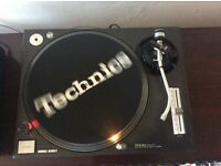 Technics sl1210 turntable . ((((((((. No offers .))))))))))))))