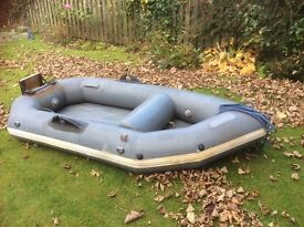 2.5m Avon inflatable dinghy with outboard bracket