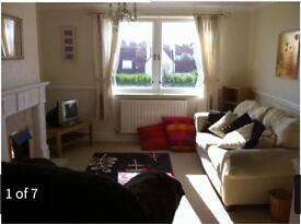 Large, two bedroom flat in quiet estate near Queen Elizabeth hospital