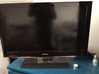 Samsung smart 32 inch TV LE32C650L1KXXU LCD TV perfect working condition - pick up
