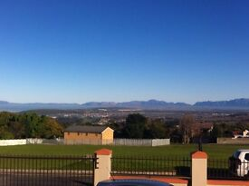 Somerset West, SOUTH AFRICA: Address in the Winelands- 2 bedroom lock-up and go!