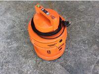 VAX 6131 wash & vac heavy duty vacuum cleaner