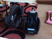 Maxi cosi pebble car seat with isofix base