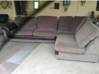 Large corner sofa 2.906x1.806. Comes in 3 pieces.