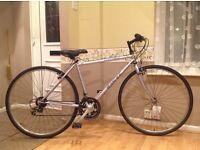 Dawes quality hybrid bike (very good condition )