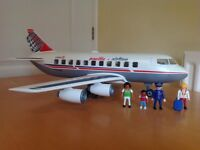 Playmobil Cargo/passenger jet and figures. (Set: 4310)