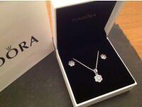 Pandora crystallised gift set