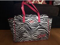 Lipsy hold-all bag