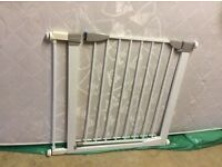 Lindam stair gate fits 89cm wide staircase