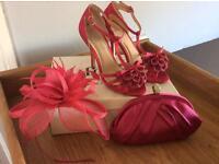 Pink wedding accessories