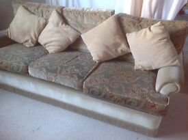 Traditional retro 3 piece suite, large sofa & 2 arm chairs, £50