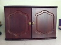 Mahogany mirror, unit with two doors & bathroom accessories