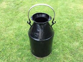 Vintage SHELL MEX / BP LTD Oil Can.