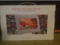 Brand new 7 Inch digital photo frame black