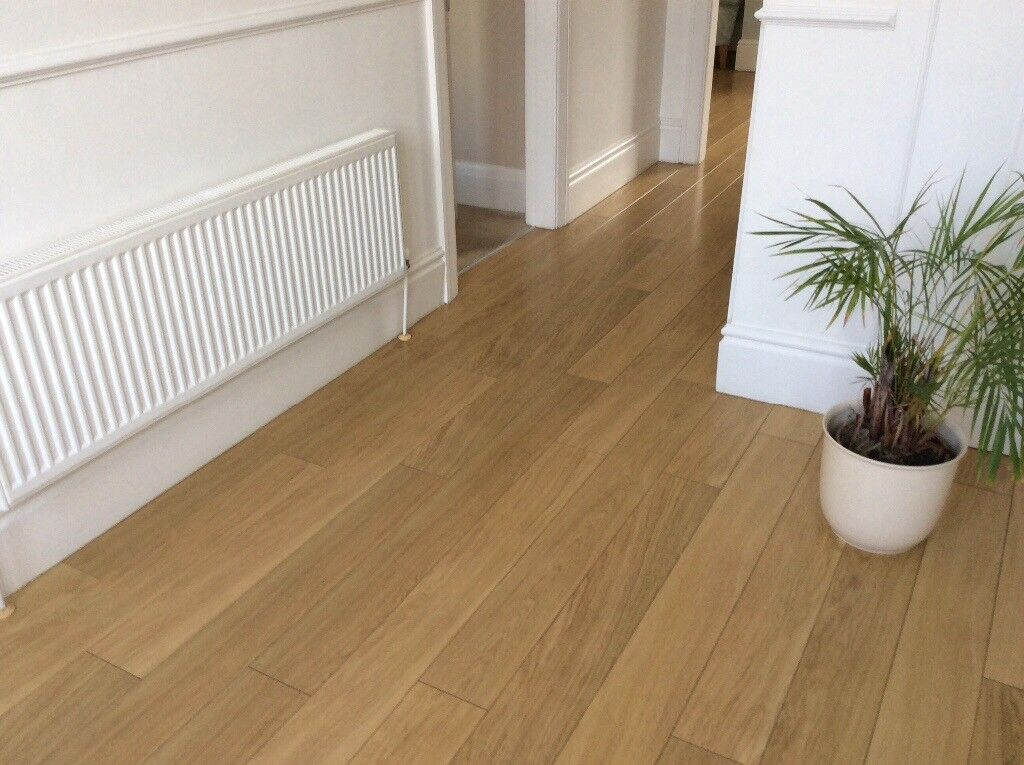 Quickstep Natural Varnished Oak Laminate Flooring Sheffield South Yorkshire
