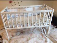 Baby cot ( scrib)