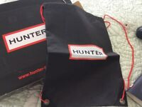 Hunters genuine wellies size 5 navy with socks. All brand new