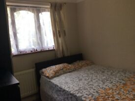 NICE AND CLEAN DOUBLE ROOM TO RENT SHORT TERM AND LONG TERM