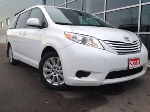 2015 Toyota Sienna LE AWD!! JUST TRADED IN !!