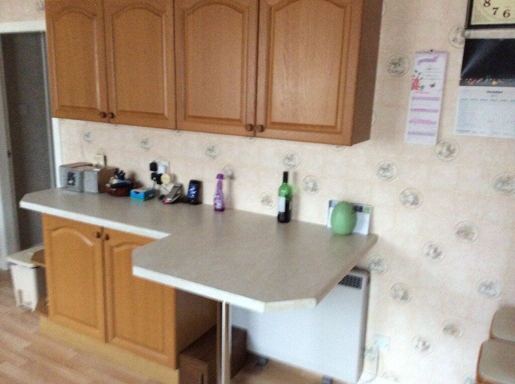 For sale kitchen units breakfast bar and appliances
