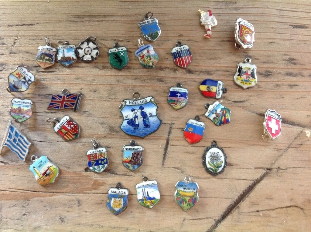 SET OF BADGES FROM AROUND THE WORLD