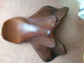 Spring tree horse saddle 18 inch