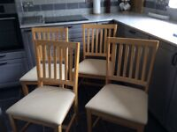 For kitchen chairs in beech wood with padded seats