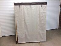 Wardrobe storage unit