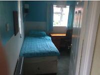 Woking single rooms Sunday night – Friday morning basis