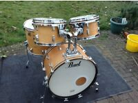 Vintage Pearl drum kit, all maple shells.