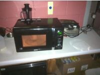 MICROWAVE IN GOOD WORKING ORDER