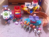 4 sets of little people toys
