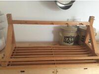 Wooden shelf with pegs for mugs &a towel rail £5