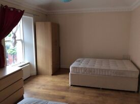 OPPORTUNITY! LARGE TWIN ROOM for two friends, couple & students.. in residential house!